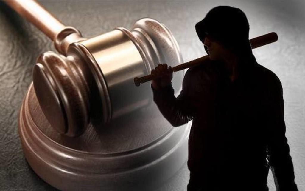 Чем отличаются коллекторы от судебных приставов?