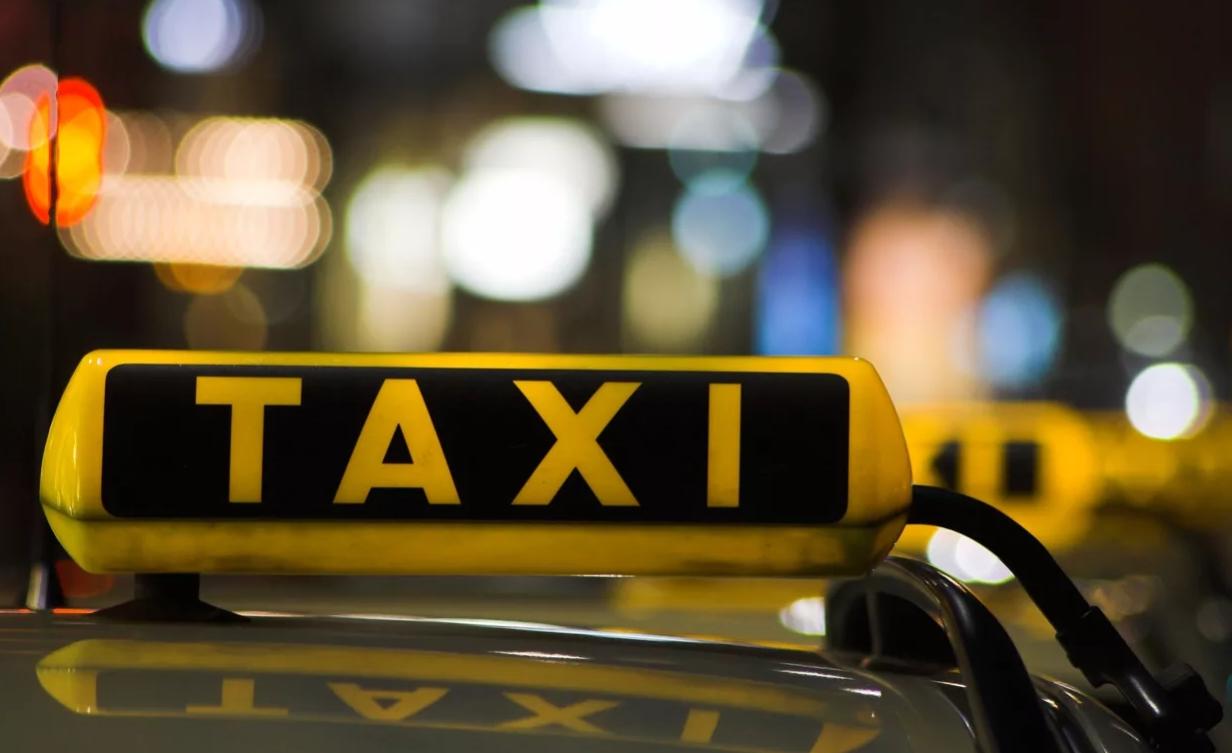 Должен ли агрегатор такси возмещать вред от ДТП?