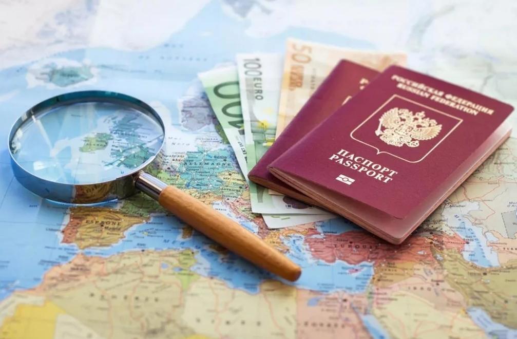 В каких случаях может быть ограничен выезд за границу?